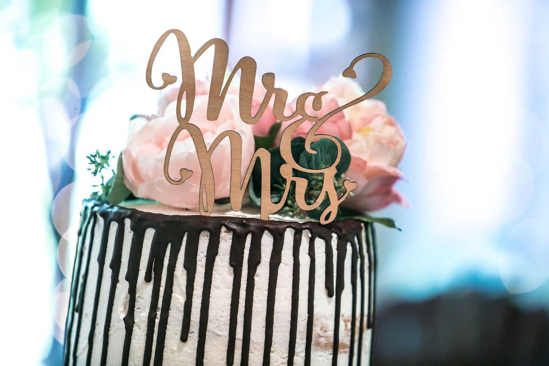 Melbourne Celebrant - Dandenongs Wedding Cake