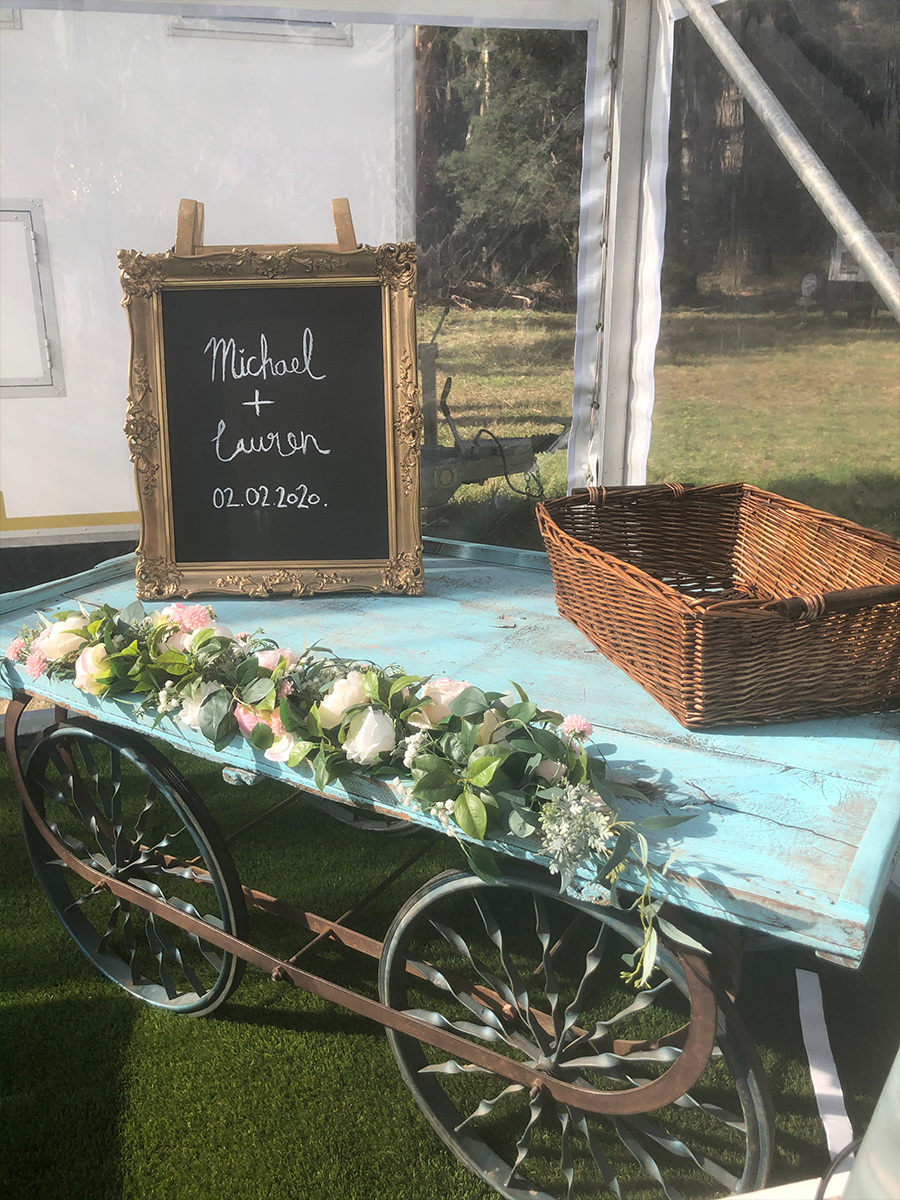Julie Byrne - Yarra Valley Celebrant - Lauren and Michaels Wedding - Gift Table