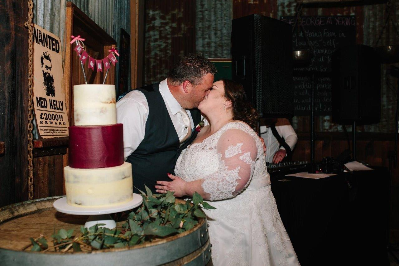 Melbourne Celebrant Julie - Sally and Michael's Wedding - Alyssa's Kitchen Cakes
