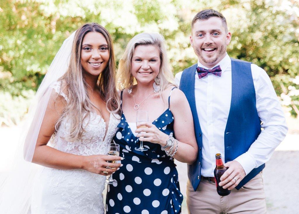 Julie Byrne Celebrant - Yarra Valley Estate Celebrant - Simone and Chris
